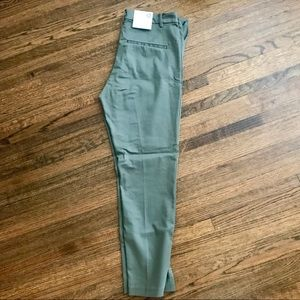 NWT‼️ H&M Army green Size 8 Regular work pants